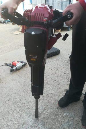 Бензиновый бетонолом, отбойный молоток в аренду