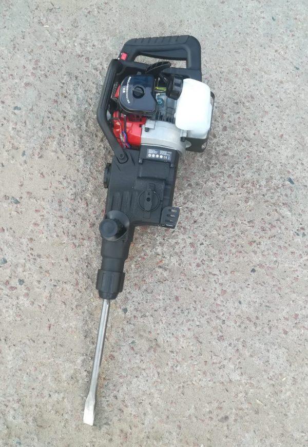 Бензиновый перфоратор-бетонолом в аренду